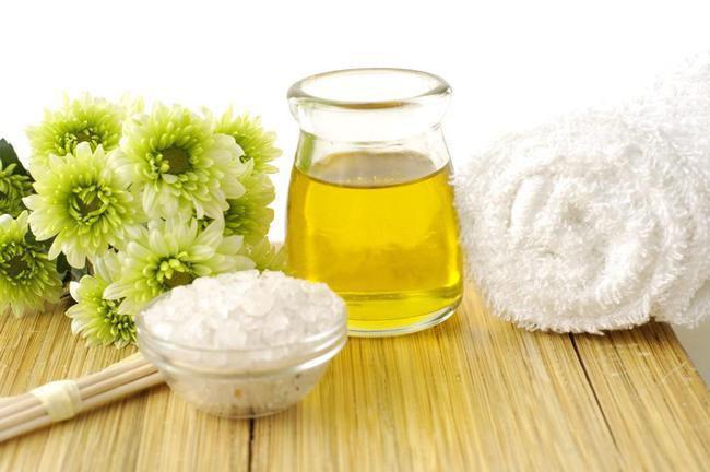 Membuat Face Scrub dengan Campuran Olive Oil/Copyright Shutterstock