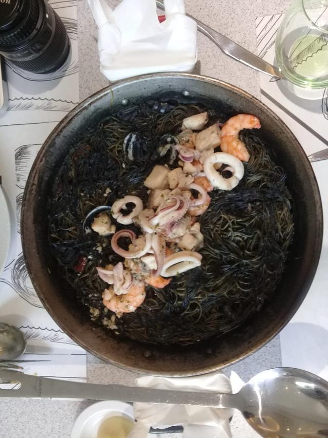 Black Rossejat (Noodles) Seafood with Alioli Sauce