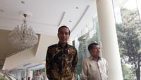 Presiden Joko Widodo (Jokowi) bertemu dengan Wakil Presiden Jusuf Kalla di kantor Wapres, Jalan Merdeka Utara, Kamis (9/8/2018). (Merdeka.com/Intan)