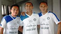 Boy Jati Asmara dan Erick Setiawan memberikan pendapat perihal permainan Persib di bawah racikan Dejan Antonic. (Bola.com/Permana Kusumadijaya)