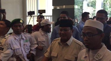 Capres nomor urut 02 Prabowo Subianto menghadiri acara Ijtimak Ulama III di Sentul, Bogor. (Merdeka/Muhammad Genantan Saputra)