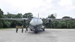 Pesawat CN-295 mampu mengangkut 2,4 ton garam, sementara Cassa 212-200 bisa memuat 800 kg garam. (merdeka.com/Iqbal S. Nugroho)