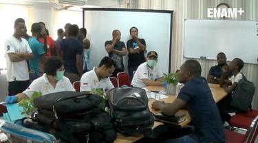 Petugas Imigrasi Jakarta Barat menangkap dan mengamankan puluhan WNA adal Nigeria yang tidak memiliki dokumen izin tinggal di sebuah apartemen di Jakarta Barat