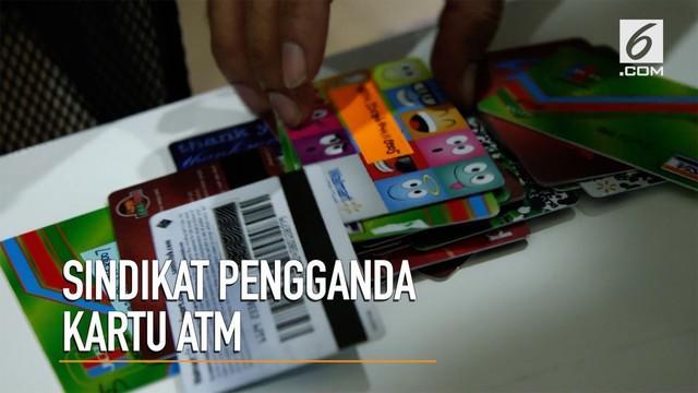 Dalam waktu berdekatan polisi menangkap sejumlah pelaku pengganda kartu ATM di berbagai daerah.