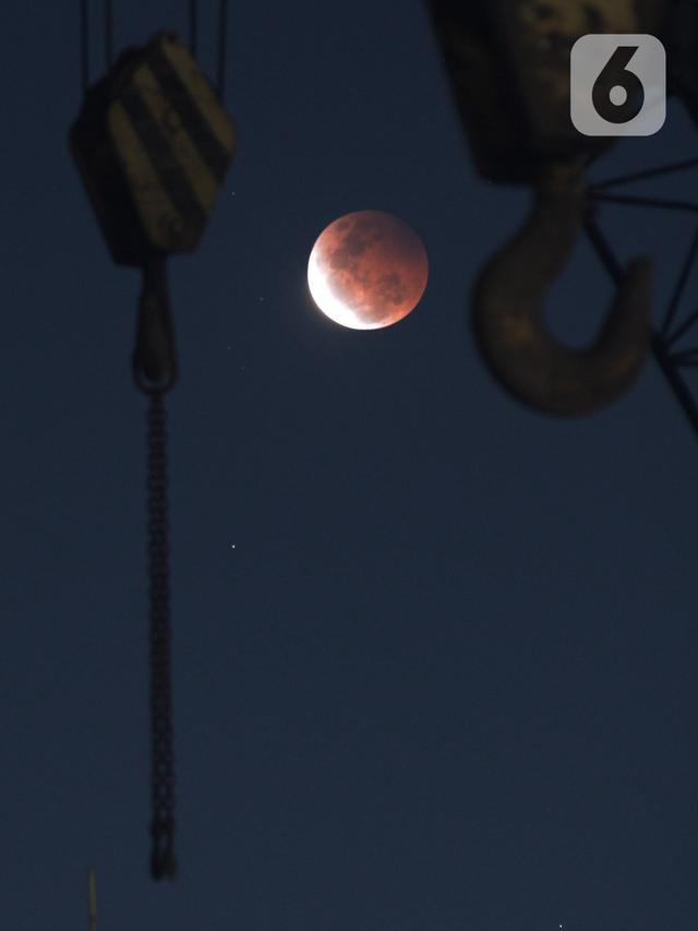 Gerhana Bulan Total di Cilincing
