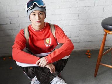 Lahir di Kanada membuat Mark fasih berbicara bahasa Inggris. Pemilik nama Korea Lee Min Hyung ini bergabung di SM Entertainment sejak tahun 2012. (Liputan6.com/IG/@nct127)