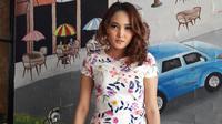 Penyanyi Tara Adia kembali menunjukan eksistensinya di Industri musik Tanah Air.