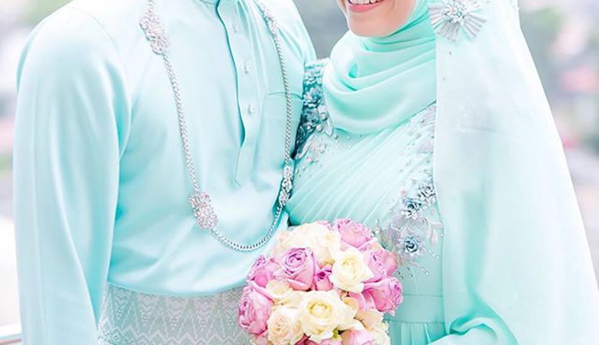 Tutorial Hijab Untuk Kebaya Hijau Tosca - Model Hijab Populer