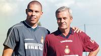 Luigi Simoni bersama Ronaldo Nascimento saat masih bersama-sama di Inter Milan. (doc. Inter Milan)