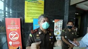 Kepala Kejati Sulsel, Firdaus Dewilmar mengintruksikan jajarannya merampungkan penyidikan dugaan suap pengurusan proyek DAK Kabupaten Bulukumba (Liputan6.com/ Eka Hakim)