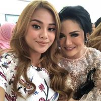 Aurel Hermansyah dan Krisdayanti. (Instagram/krisdayantilemos)