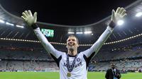 3. Petr Cech - Kiper asal ini tampil sangat impresif saat Chelsea melawan Bayern Munchen di laga final Liga Champions 2012. Petr Cech berhasil menggagalkan tiga tendangan penalti pemain Bayern Munchen di laga final tersebut. (AFP/Patrik Stollarz)