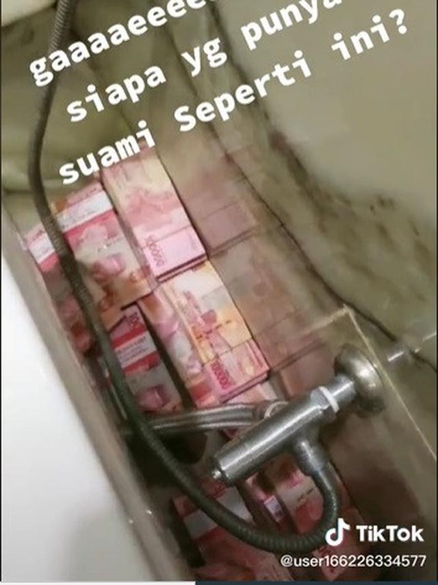 Viral video istri temukan uang di toilet