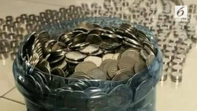 Pria asal Yogyakarta membeli motor trail dengan uang koin pecahan Rp 1000.