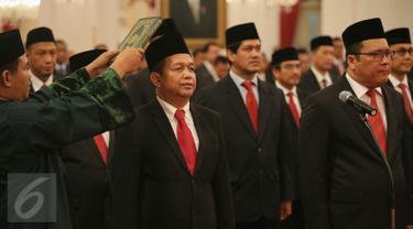 20160120-Jokowi Resmi Lantik Pengurus KEIN Pimpinan Soetrisno Bachir-Jakarta