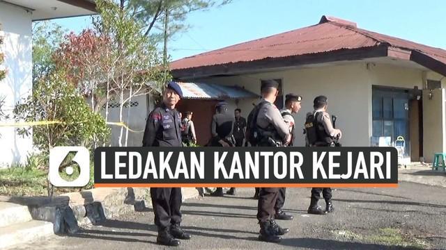 Ledakan yang terjadi di kantor Kejaksaan Negeri Parepare, Sulawesi Selatan, pada Selasa (19/11/2019) sore diduga dipicu sisa-sisa barang bukti kasus pidana perikanan yaitu denator bom ikan.