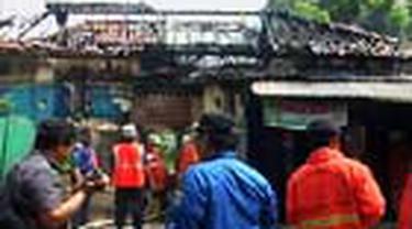 Ledakan tabung gas berukuran tiga kilogram membakar rumah makan di Jalan Cikini Raya, Menteng, Jakpus. Tak ada korban jiwa dalam musibah itu.