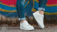 Ilustrasi Foto Sepatu Putih (iStockphoto)