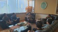 Koorsupgah KPK, Aldiansyah Malik Nasution menegaskan jika pihaknya mendekat ini akan berkoordinasi ke Polda Sulsel untuk membahas kelanjutan penanganan kasus dugaan suap proyek DAK senilai Rp 40 miliar di Kota Pare-Pare (Liputan6.com/ Eka Hakim)