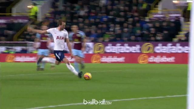 Berita video gol-gol terbaik yang diciptakan striker Tottenham Hotspur, Harry Kane, pada musim 2017-2018 sejauh ini. This video presented by BallBall.