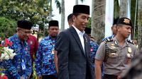 Presiden Joko Widodo dalam kunjungan kerja ke Bengkulu memastikan pengembangan Bandara dan Pelabuhan Bengkulu berstandar Internasional (Liputan6.com/Yuliardi Hardjo)