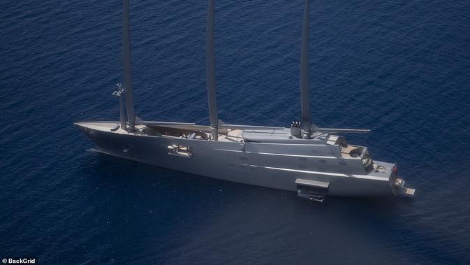 Kapal mewah ini milik miliarder Andrey Melnichenko. Dok: Daily Mail