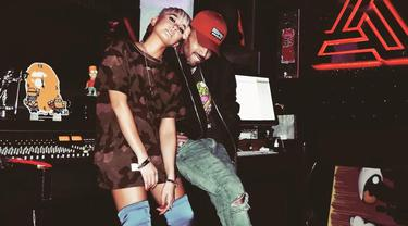 [Bintang] Agnez Mo - Chris Brown