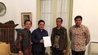 Penyerahan laporan hasil audit Mahaka ke Presiden Jokowi (Mahaka Sports and Entertainment)