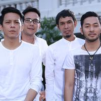 Begitu juga dengan vokalisnya, Ariel. Ia akan memanfaatkan waktunya untuk libur bersama keluarganya di Bandung. (Galih W. Satria/Bintang.com)