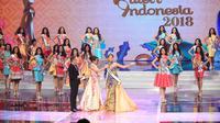 Miss universe bersama para finalis putri indonesia 2017. (Adrian Putra/Bintang.com)