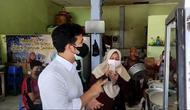 Wakil Gubernur Jawa Timur, Emil Dardak menyosialisasikan Instruksi Mendagri Nomor 24 Tahun 2021 yang memuat aturan makan di tempat selama 20 menit (dok.instagram/@emildardak/https://www.instagram.com/p/CRybdsQpsbt/Komarudin)