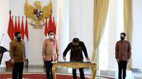 Sinar Mas dan Astra bermitra dengan Universitas Diponegoro membangun Gedung Sekolah Vokasi Undip, yang peresmiannya dilakukan oleh Presiden, Joko Widodo secara virtual dari Istana Bogor. (Dok Sinarmas)