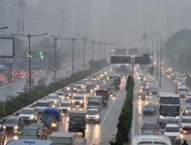 BMKG Prediksi Puncak Musim Hujan Terjadi hingga Februari 2019