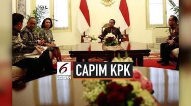 Panitia seleksi (pansel) calon pimpinan (capim) Komisi Pemberantasan Korupsi (KPK) mengumumkan 10 nama capim KPK yang lulus seleksi. Nama itu diumumkan usai pansel melaporkan kepada Presiden Joko Widodo (Jokowi) di Istana Merdeka, Jakarta, Senin (2/9...