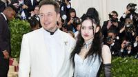 Elon Musk dan Grimes. (Foto: Pitchfork)