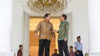 Ketua Umum Partai Gerindra Prabowo Subianto dan Presiden Joko Widodo memberikan keterangan pers di Istana Bogor, Jawa Barat, Kamis (29/1/2015). Liputan6.com/Faizal Fanani)