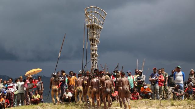 Image result for festival budaya lembah baliem