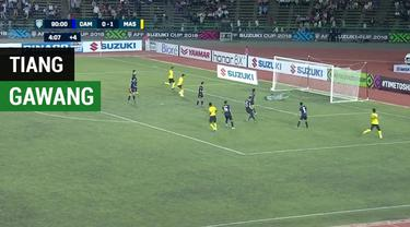 Berita video Malaysia gagal mencetak gol ke gawang Kamboja karena bola masih mengenai tiang gawang pada laga pembuka Grup A Piala AFF 2018. Bahkan tiang gawang sampai dua kali menggagalkan peluang tim Harimau Malaya.