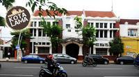 Salah satu bangunan peninggalan kolonial Hindia Belanda yang masih berdiri kokoh di Jalan Rajawali, Kota Surabaya, Jawa Timur. (Andy Satria/Radar Surabaya/Jawa Pos Group)