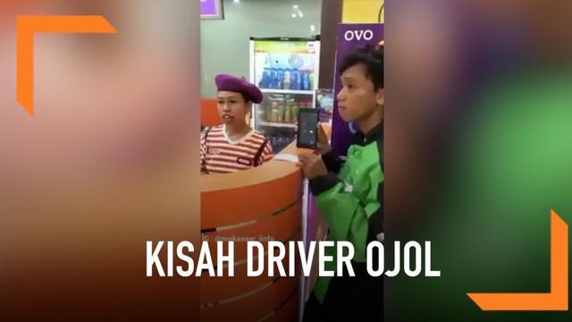 Jelas sekali ekspresi wajah driver yang kebingungan ketika sang pembeli membatalkan pesanan makanannya secara sepihak. Apalagi si driver sudah mengeluarkan uang sebanyak Rp 246 ribu untuk delapan porsi crepes tersebut.