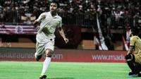 Ekspresi Irkham Zahrul Mila setelah mencetak gol ke gawang Madura United di Stadion Gelora Madura, Pamekasan, Rabu (31/7/2019). (Bola.co/Dok. Media officer PSS Sleman)