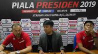 Pelatih Madura United, Dejan Antonic dan ofisial (Switzy Sabandar)
