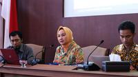 Rektor UGM Dwikorita Karnawati menggelar konferensi pers mengenai penelitian Tim Mitigasi Bencana Longsor di Desa Banaran, Kecamatan Pulung, Kabupaten Ponorogo, Jawa Timur. (Liputan6.com/Yanuar H)
