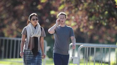 [Bintang] 5 Fakta Mengejutkan Priscilla Chan, Istri Bos Facebook Mark Zuckerberg