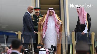 Raja Arab Saudi Salman bin Abdulaziz menunda lawatannya Maladewa atau Maldives. Pemerintah negara di Asia Selatan tersebut telah mengkonfirmasi kabar pembatalan sementara itu.