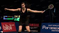 Selanjutnya pada babak perempat final Carolina Marin akan berhadapan dengan pebulutangkis andalan India, Saina Nehwal. (Bola.com/Vitalis Yogi Trisna)