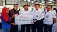 Pemerintah Provinsi DKI Jakarta meluncurkan Kartu Pekerja bagi warga DKI Jakarta yang mendapat upah paling besar senilai 1,1 kali Upah Minimum Provinsi (UMP) DKI Jakarta. Peluncuran kartu ini untuk membantu pekerja ibu kota mendapat hidup layak.
