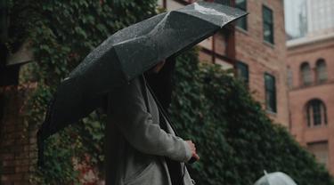 5 Cara Agar Tidak Terserang Penyakit Saat Musim Hujan Lifestyle Fimela Com