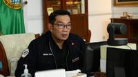Gubernur Jawa Barat Ridwan Kamil saat melepas Tim Jelajah Metropolitan Rebana II di Gedung Pakuan, Kota Bandung, Senin (28/6/2021). (Foto: Yogi P/Biro Adpim Jabar)