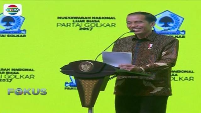 Jokowi juga buka-bukaan soal kisruh di tubuh partai berlambang pohon beringin itu lantaran terdapat sejumlah kelompok besar.